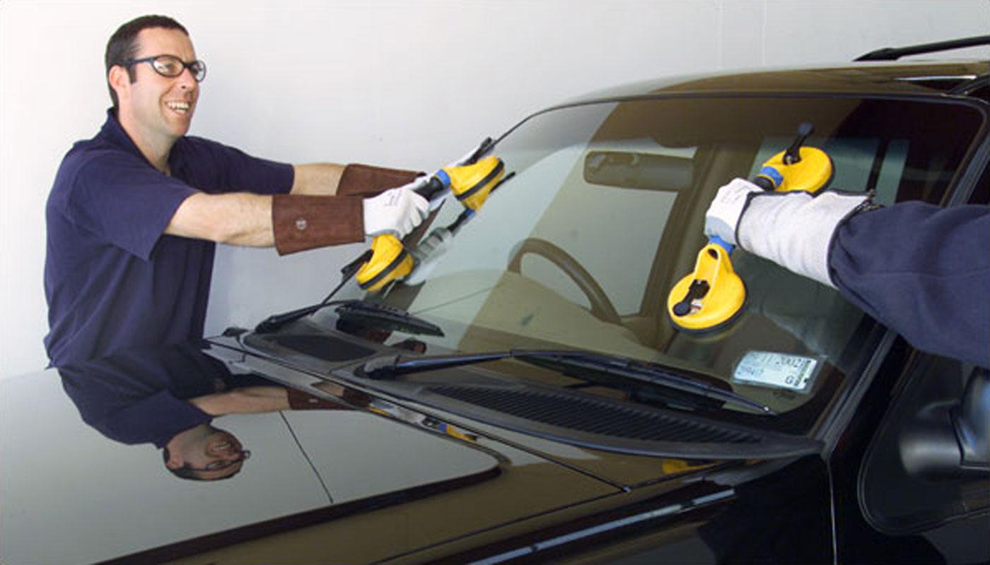 Установка стекла на автомобиль своими руками видео